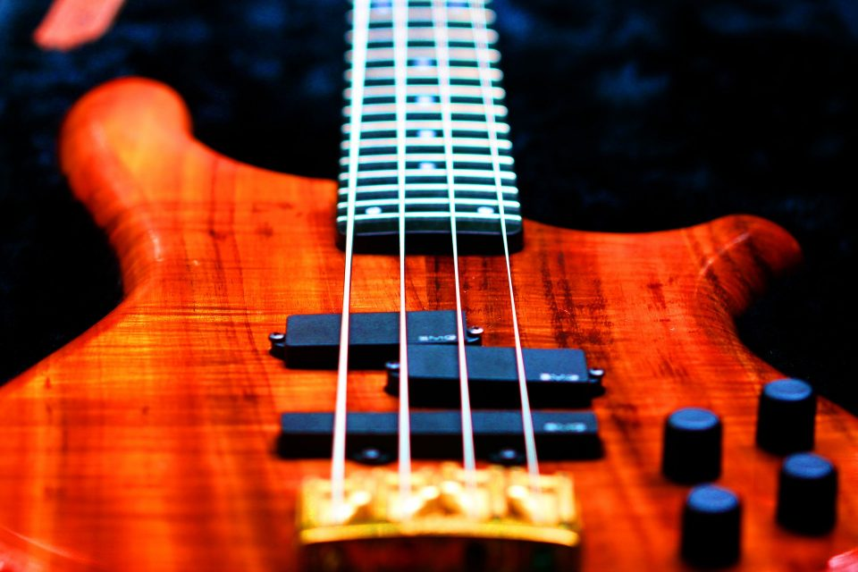איך לבחור מיתרים לגיטרה בס ?